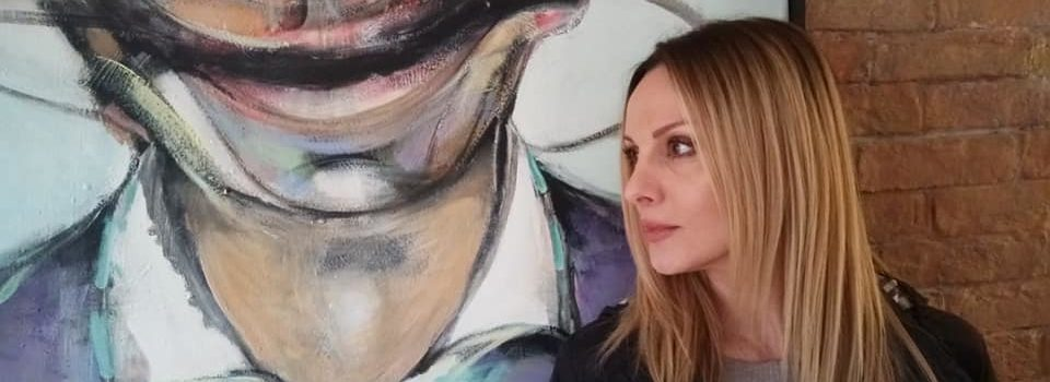 Koutipandoras.gr: Η δημοφιλής σύγχρονη λαϊκή τραγουδίστρια σε μία αποκλειστική χειμαρρώδη συνέντευξη